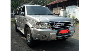 2004 Ford New Everest 2.5 L XLT