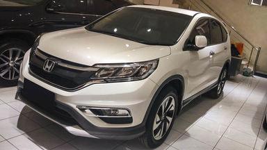 2016 Honda CR-V 2.4 AT - Mobil Pilihan