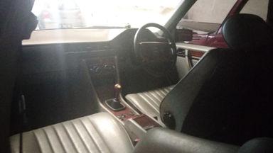 1992 Mercedes Benz E-Class e230 - mulus terawat (s-5)