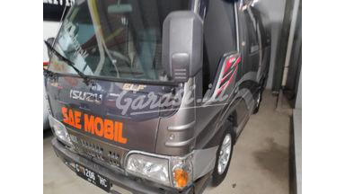 2016 Isuzu Elf Minibus mt - Kondisi Ciamik