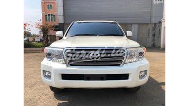 2013 Toyota Land Cruiser V8 - Bekas Berkualitas