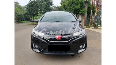 2015 Honda Jazz RS - Mobil Pilihan