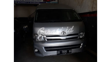 2013 Toyota Hiace mt - Terawat Siap Pakai