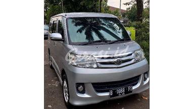 2010 Daihatsu Luxio X