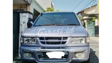2003 Isuzu Panther LS