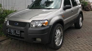2003 Ford Escape XLT - Istimewa