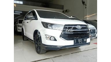 2018 Toyota Kijang Innova Venturer 2.4 - Simulasi Kredit Tersedia
