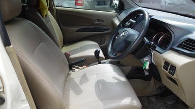 2012 Daihatsu Xenia R DELUXE 1.3 - Warna Favorit, Harga Terjangkau (s-1)
