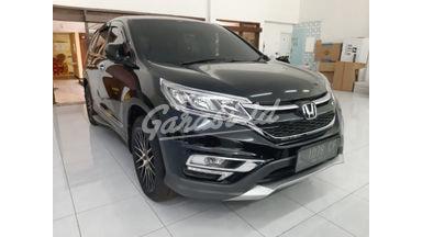 2015 Honda CR-V i-VTEC - Terawat & Siap Pakai