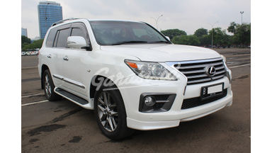 2012 Lexus LX 570 - Siap Pakai Dan Mulus