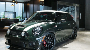 2010 MINI Cooper JCW - Top Condition