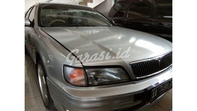 1998 Nissan Infiniti at - Terawat Mulus
