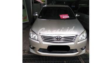 2011 Toyota Kijang Innova mt - SIAP PAKAI!