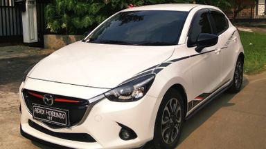 2015 Mazda 2 R Limited Skyactiv - Harga Bersahabat