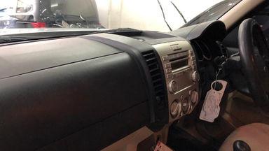 2010 Ford New Everest 2.5 L XLT - istimewa putih (s-3)