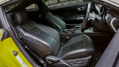 2016 Ford Mustang GT 5.0 - Mobil Pilihan (s-4)