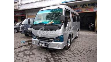 2010 Isuzu Elf Minibus ADIPUTRO - Terawat Siap Pakai