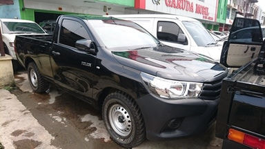 2013 Toyota Hilux pickup - Nyaman Terawat Barang Bagus Siap Pakai