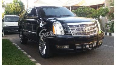 2011 Cadillac Escalade 6.2 Platinum - Barang Istimewa