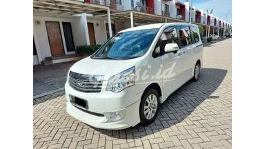 2014 Toyota Nav1 V Limited Luxury