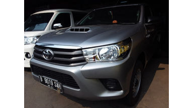 2015 Toyota Hilux PICK UP - Barang Bagus Dan Harga Menarik