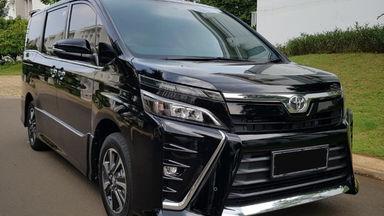 2018 Toyota Voxy - Mewah Istimewa Panoramik