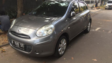 2013 Nissan March AT - Bisa Nego