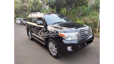 2012 Toyota Land Cruiser 4.5 v8 uk version