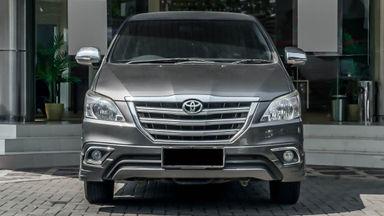 2014 Toyota Kijang Innova V 2.0 - Mobil Pilihan (s-0)