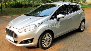 2014 Ford Fiesta S Facelift
