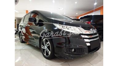 2014 Honda Odyssey 2.4 E - Mobil Pilihan