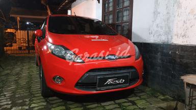 2012 Ford Fiesta B - Merah Orisinil dan Standard Pabrikan