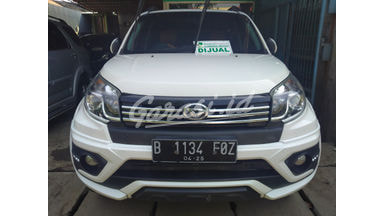 2015 Daihatsu Terios R adventure - Mobil Pilihan