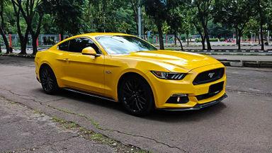 2016 Ford Mustang GT 5.0 - Mobil Pilihan (s-1)