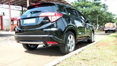 2015 Honda HR-V E CVT - Kondisi Mulus Terawat (s-2)