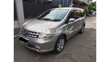 2010 Nissan Grand Livina XV - Mobil Nyaman dan Enak