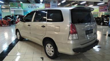 2011 Toyota Kijang Innova E+ - Barang Bagus Siap Pakai (s-6)
