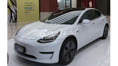 2019 Tesla Model S Model S - Standard Range Plus