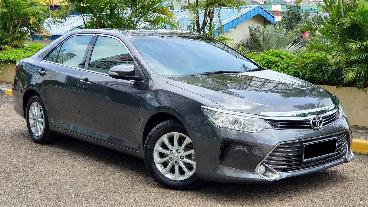 2017 Toyota Camry V