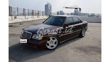 1988 Mercedes Benz E-Class 200E - Istimewa Siap Pakai
