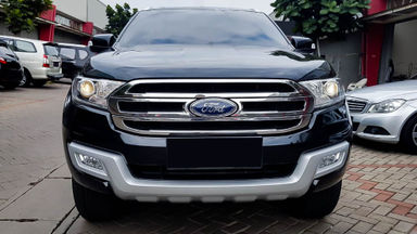 2016 Ford Everest Trend 4x2 - Mobil Pilihan (s-2)