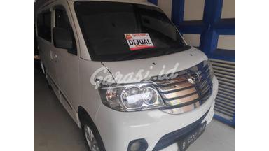 2014 Daihatsu Luxio X - Barang Istimewa