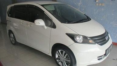 2011 Honda Freed PSD - Kondisi Istimewa