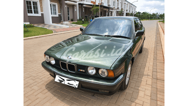 1990 BMW 5 Series 520i - Mulus Terawat