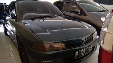 2001 Mitsubishi Lancer mt - Unit Super Istimewa