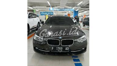 2016 BMW 3 Series M Sport - Mobil Pilihan