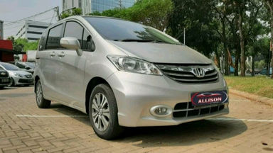 2014 Honda Freed PSD - istimewa (s-1)