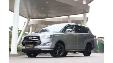 2018 Toyota Kijang Innova Venturer 2.4 - Ciamik istimewa
