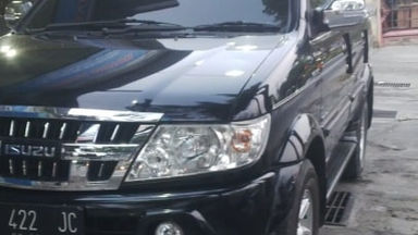 2009 Isuzu Panther Grand Touring - Good Condition