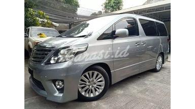 2013 Toyota Alphard CBU SC Premium - Good Condition CBU Siap Luar Kota